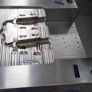 Fabricante de moldes de corte em usinagem